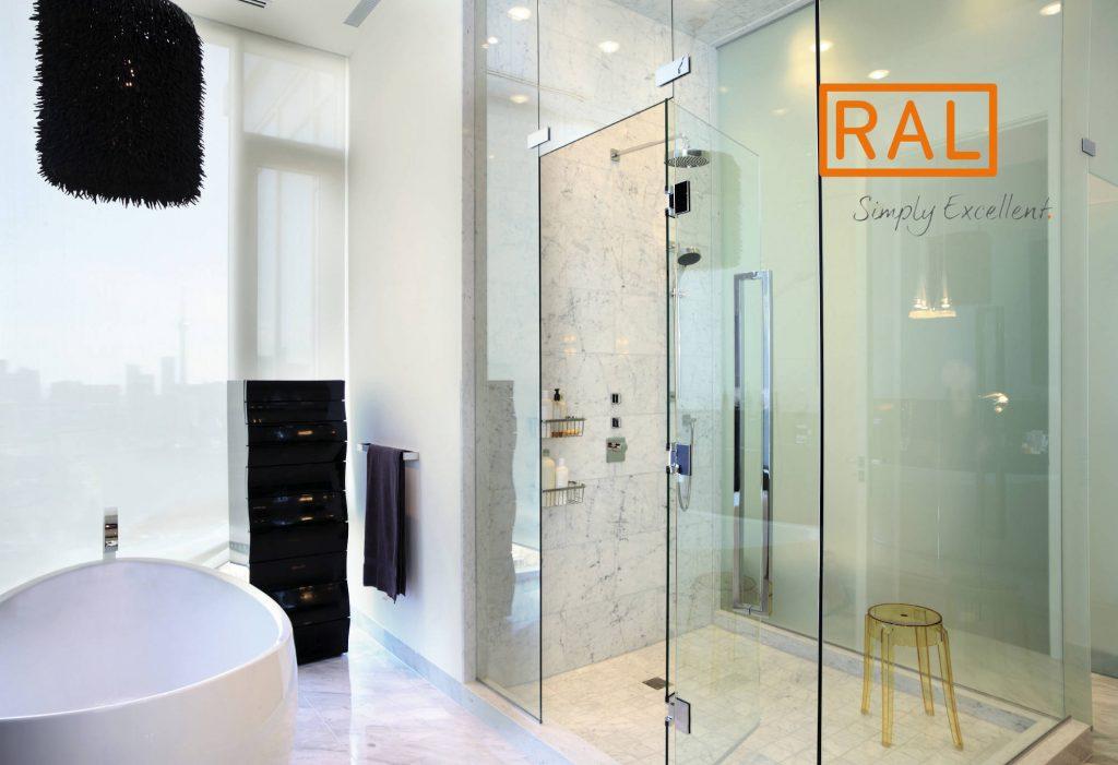 RAL Gütezeichen und Dusche • BIV Bundesinnungsverband des Glaserhandwerks